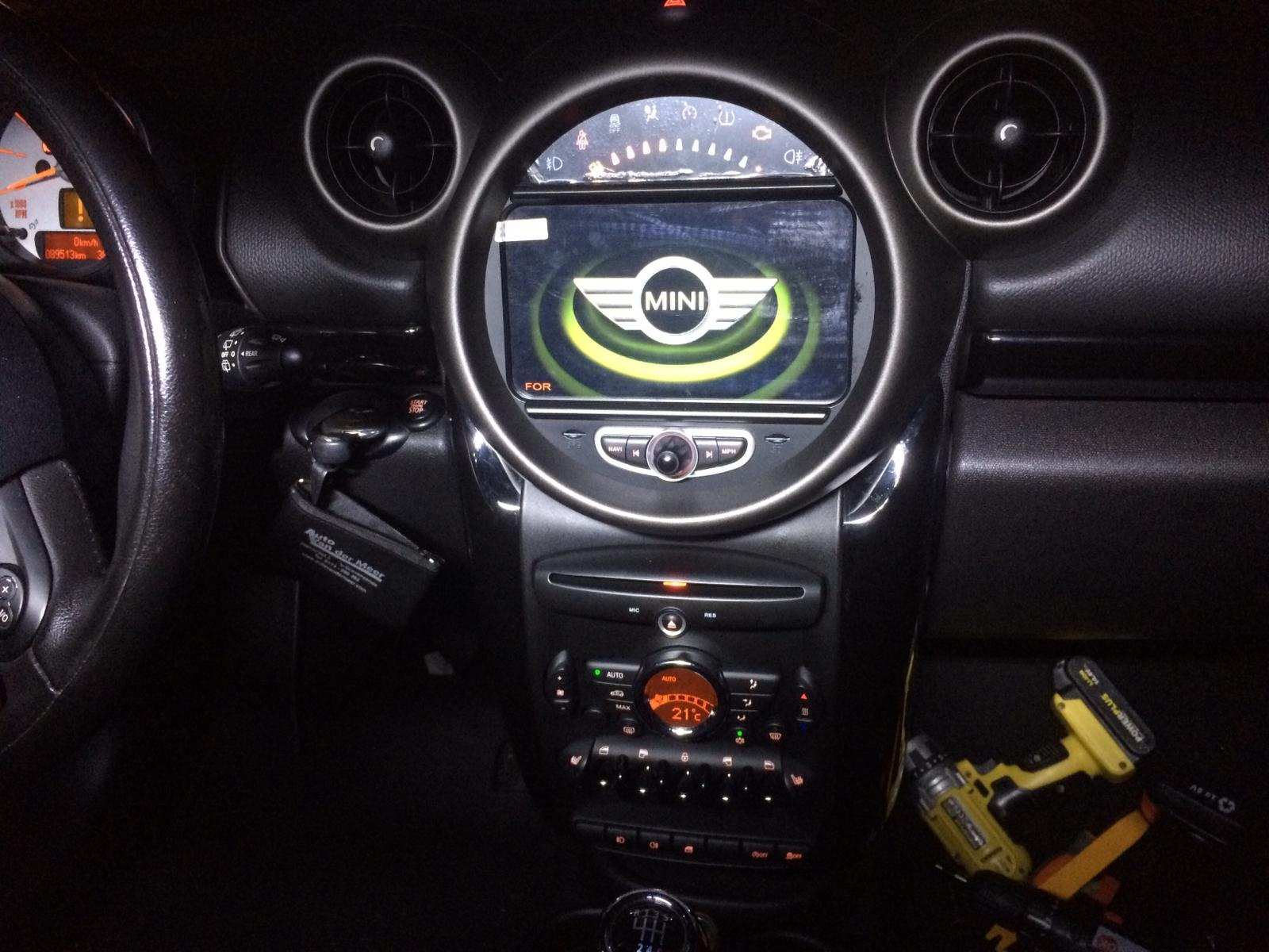| Navigatie Mini Cooper one dvd carkit touchscreen usb sd wifi android 8